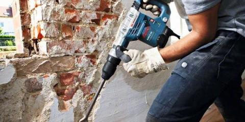Демонтаж штукатурки стен
